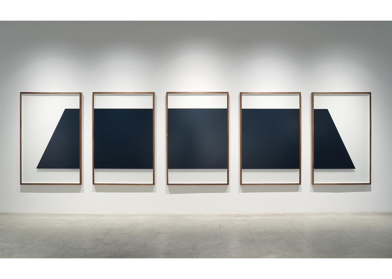 오완석_MINUS_불투명 무반사 유리에 페인트_150x100cm 5ea_2014@Oh Wanseok_MINUS_paint on non-reflecting glass_150x100cm 5ea_2014