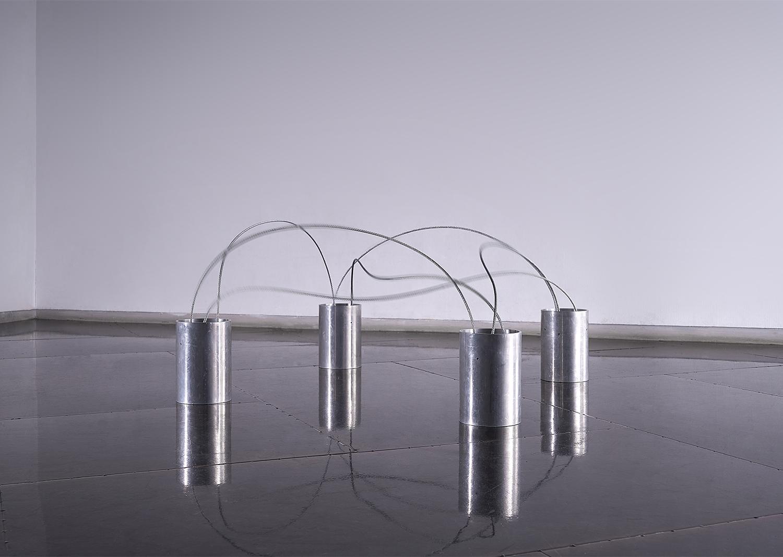 노해율, layered stroke-02, 와이어,철,전동회전장치, 150x150x80cm, 2016 @Noh, haeyul, layered stroke-02, wire, iron, motor, 150x150x80cm, 2016