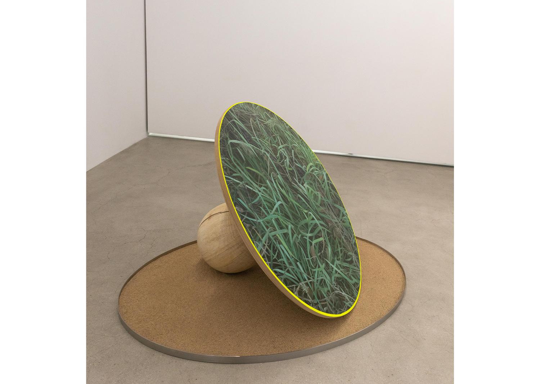 강민영_봇_Oil on canvas, wood_diameter 100cm_2021@MinyoungKang_VOT_Oil on canvas, wood_diameter 100cm_2021