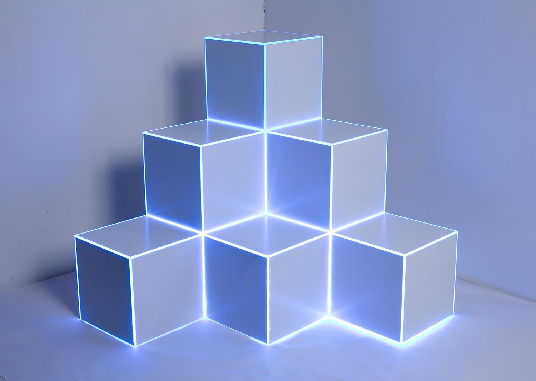 Light drawing, plexiglass,laminating paper,LED, 36x36x36cm, 2015@Light drawing, plexiglass,laminating paper,LED, 36x36x36cm, 2015